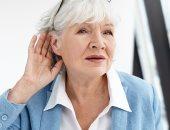فقدان السمع عند كبار السن يحدث أضرار بالغة بالذاكرة.. اعرف التفاصيل