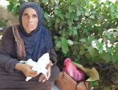 احنا معاك.. قارئ يشارك صورة سيدة بلا مأوى مع طفلتها فى شارع الهدى والنور بالمنصورة