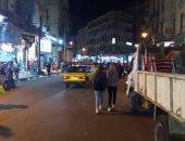 صور.. إزالة إشغالات طريق فى حملة مسائية وسط الإسكندرية