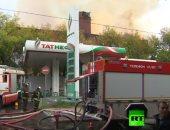 شاهد.. حريق ضخم يلتهم مستودعا مهجورا فى العاصمة الروسية موسكو