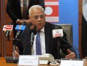 محافظ بورسعيد يستقبل قيادات وزارة الصحة لمتابعة تطبيق التأمين الصحى الشامل الجديد