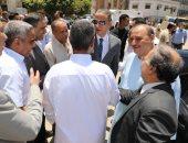 صور .. محافظ سوهاج يودع حجاج الجمعيات الأهلية
