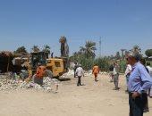 محافظ قنا يقود حملة لإزالة التعديات على أراضى الدولة بنجع حمادى