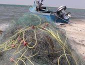 صور.. ضبط أدوات صيد مخالفة ببحيرة البردويل