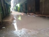 استجابة لصحافة المواطن.. شفط مياه الصرف بشارع جامع النصر ببولاق