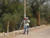 رفع مناسيب شوارع قرية الجديدة بالداخلة للبدء فى مشروع الصرف الصحى بالقرية