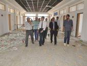 صور.. رئيس جامعة القناة يوجه بسرعة إكمال مبنى كلية الآداب الجديد
