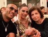 """""""مصري وأفتخر""""من لوس انجلوس..محمد رمضان ووالدة رامى مالك ودرة بمنزل القنصل"""