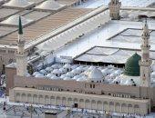 مصلون المسجد النبوى يؤدون صلاة أول جمعة فى العام الهجرى الجديد