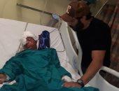 أحمد فهمى يزور ضحايا انفجار معهد الأورام.. ويطالب جمهوره بدعم المصابين