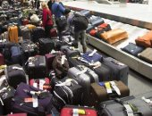 """""""ديلى ستار"""": مضيفون بشركات الطيران الإنجليزية يشكون من حمل الحقائب الثقيلة"""