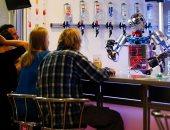 هل تتنازل عن عملك لروبوت أم شخص آخر.. دراسة تكشف مفاجأة
