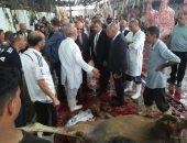 محافظ القاهرة يفرض غرامات على محلات الجزارة التى تترك مخلفات الذبح بالشوارع