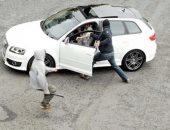 النيابة تأمر بتفريغ كاميرات المراقبة لتحديد هوية عصابة سرقة السيارات بالسلام