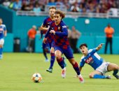 برشلونة ضد بيتيس.. جريزمان وحيدا في هجوم البارسا في غياب ميسي وسواريز