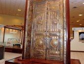 تعرف على قصة استبدال الباب الحديدى للكعبة بـ 280 كيلو ذهب خالص (صور)