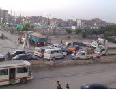 صور.. أزمة مرورية بمدينة بلبيس والأهالى يطالبون برقابة على التوك توك