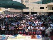 عشرات المقدسيين يؤدون صلاة الجمعة فى واد الحمص بالقدس