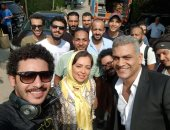 """شاهد.. احتفال هبة مجدى والمخرج محمد سلامة بانتهاء تصوير حدوتة """"براد شاى"""""""