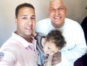 قارئ يشارك بصور مع وائل جمعة بالغربية.. ويعلق: يقضى عيد الأضحى مع عائلته