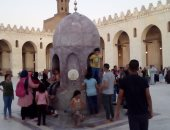 """توافد آلاف المصلين على مسجد """"الحاكم بأمر الله"""" بالقاهرة لأداء صلاة العيد"""