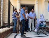 مهاب مميش يتفقد مستشفى نمرة 6 ويقدم التهنئة للمرضى والعاملين بمناسبة العيد