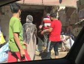 صور.. زحام أمام محلات الجزارة لذبح الأضاحى فى أول أيام عيد الأضحى بالغربية