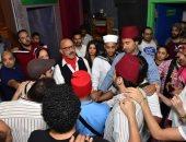 صور.. حضور جماهيرى ضخم فى أولى ليالى مسرح مصر فى موسمه الأخير