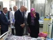 محافظ الجيزة يفتتح أعمال التطوير بمستشفى التحرير العام ويوزع عيدية على المرضى