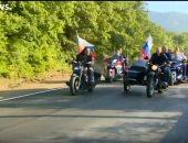 """فيديو.. بوتين يقود دراجة نارية فى شبه جزرة القرم خلال مهرجان """"ذئاب الليل"""""""