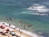فيديو وصور.. إقبال على الشواطئ فى أول أيام عيد الأضحى المبارك بالإسكندرية