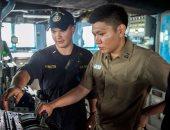 """البحرية الأمريكية تتخلى عن """"التاتش"""" وتعود للأزرار التقليدية بسفنها"""