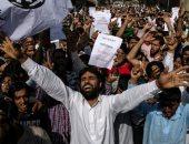 الهند تعاود فرض قيود على التنقل بمناطق رئيسية من سريناجار بعد اشتباكات