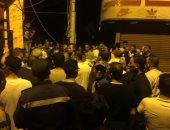 صور.. فتح شارع مصر  بالإسماعيلية بعد رفع مخلفات الحرائق