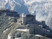 شاهد.. فندق داخل مرصد فلكى على قمة جبال الألب السويسرية