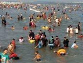 إنقاذ 28 حالة من الغرق بشواطئ رأس البر