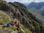 لقطات رائعة لكلب يخوض مغامرة فى أخطر جبال أسكتلندا.. شوف الصور