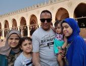 قارئ يتنزه مع بناته فى العيد ويؤكد أنهن نعمة من الله