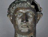 """شاهد.. رأس الإمبراطور الرومانى هادريان البرونزى بعد خروجه من """"التايمز"""""""