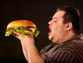 لتجنب السمنة.. اعرف أسباب الإفراط فى تناول الطعام