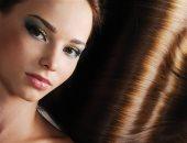 الشعر تاج المرأة .. نصائح للعناية بشعرك باستخدام وصفات طبيعية