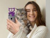 جهاز جديد يساعد على التقاط صور السيلفى مع القطط.. صور