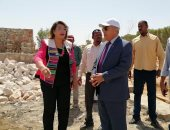 محافظ أسوان يتفقد إنشاءات المسرح المكشوف بمتحف النيل