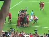شاهد لحظة إصابة مشجع لحارس ليفربول فى السوبر الأوروبى