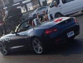 """قارئ يرصد سيارة بلوحات مدون عليها """"مجرم"""" بدلا من الأرقام على كوبرى قصر النيل"""