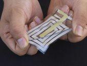 مهندسون يطورون أجهزة استشعار تلتصق بالجلد لمراقبة النبض والتنفس