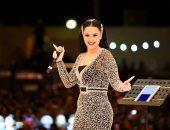 """ديانا كرزون تشعل مهرجان الفحيص بـ""""راسك بالعالى"""" و""""حرمت أحبك"""""""