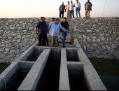 صور .. محافظ الفيوم يتفقد الحزام الأمن ببحيرة قارون