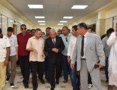 صور.. محافظ مطروح يتفقد أعمال تطوير العيادات الخارجية بمستشفى الحمام المركزى