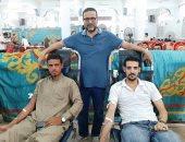 صور.. شباب شبرا النخلة يتبرعون بـ1250 كيس دم لصالح أهالي القرية بالشرقية